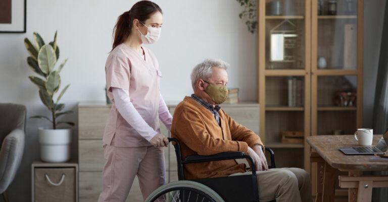 nursing homes to lose health insurance funding over vaccine mandates